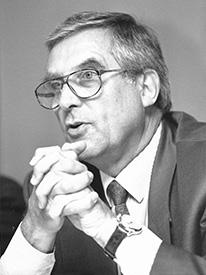 FKM, Claus Groth