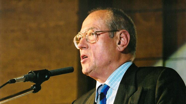 Prof. Dr. Busche wird  Ehrenvorsitzender