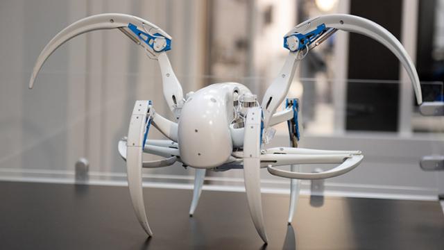 IAMD - Integrated Automation, Motion & Drives: Internationale Leitmesse für integrierte Automation, Industrial IT, Antriebs- und Fluidtechnik. Festo, Halle 15, Stand D11